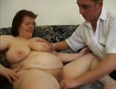 Mature Hairy BBW Playi...