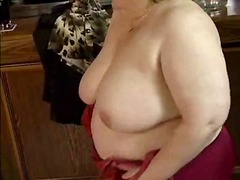 Big Oma fuck in bar