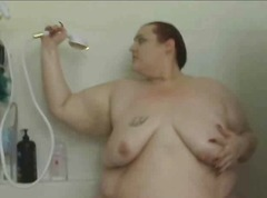 Huge BBW Soaps Herself In the Shower