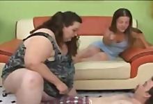 Pretty Midget and SSBBW 3some