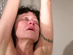 Mature with saggy tits tortured by pe...