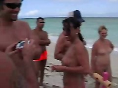 Thumb: Nikki Hunter Nude Beach
