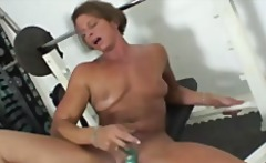 MATURE BIG CLIT SOLO PLAY IN THE GYM