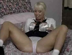 fingering, mature, matures,