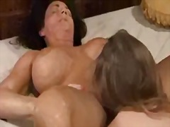 Squirting and kissing mess with lesbians in bedroom