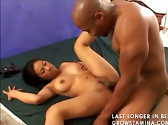 Foaming Asian pussy video