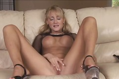 See: Hot Blonde Milf Jerily...