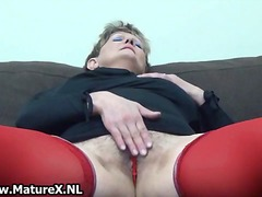 Horny mature woman in red stockings part2