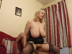 Mature bitch shows her...