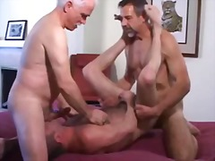 Trio mature wild screwing & dildo fucking