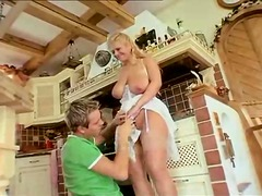 Curvy natural housewife foreplay in k...