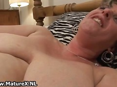 Fat horny old woman lo...