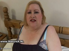 Old BBW blonde loves t...