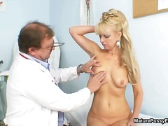 Blonde mature mom gets...