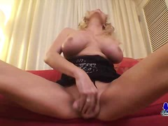 Hot Milf Shemale Shows Her Stuff