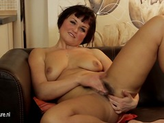 Hot hairy MILF masturb...