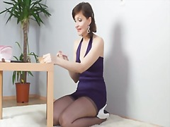 Kirsty Blue - Prepares for party
