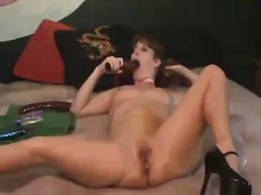 Volcanic milf Antonia squirts and tas...
