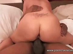 Shorty fucks the thera... video