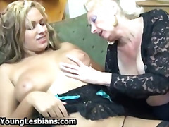 H2porn Movie:Horny granny loves sucking