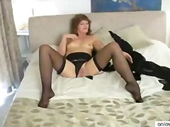 Mature mom cums on her... video