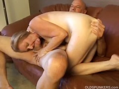 Sexy mature lady gives a great blowjob and enjoys a hard fucking and a mouthful of cum