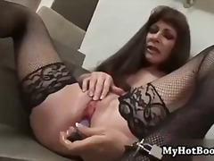 Alexandra Silk spends days at home al...