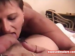 Thumb: Hot MILF Bends Over Fo...