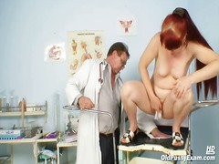 Mature Olga has her gi...