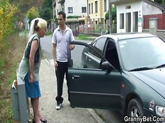 Yobt TV Movie:Grandmother chick is picked up...