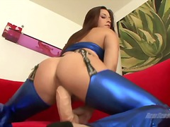 Talia Palmer sit her cum-hole down on large vibrator