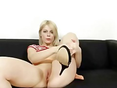 Ruth shows her se...