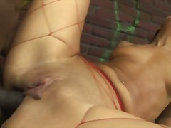 British stud Omar fucks Olivia Brown ...