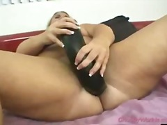 Big girl dildoing her pussy with a hu...