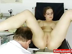 Keez Movies Movie:Chubby amateur girl with glass...
