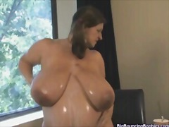 MARIA MOORE SEXY MASSI... - Xhamster
