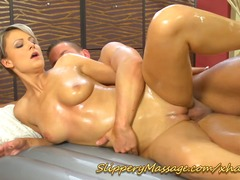 Superb babe offers suc... video