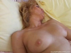 Sexy older babe gets her pussy licked and fucked for big orgasms