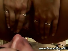 Hot domina likes to queen her male slave