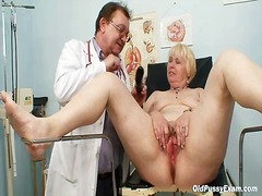 Yobt TV Movie:Chubby white hair ma hairy fuz...