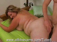 Mature Bbw Has Fun Wit...