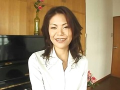 Mature Asian bitch jilling off