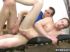 Stud shoves his cock in the ass of a sleeping man
