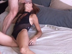 Mature Amateur Loves Anal