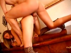WinPorn Movie:Babe in leopard printed linger...
