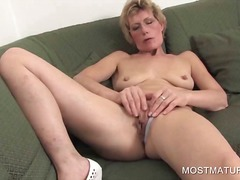 Thumb: Mature blondie fingeri...