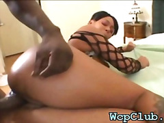 H2porn Movie:Cutie sucks rod so well
