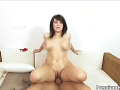 WinPorn Movie:Kristi Klenot shows off her bi...