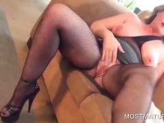 DrTuber - Busty mature pleasing ...