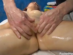 Sexy 18 year old Melod... - WinPorn